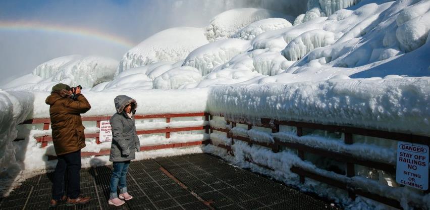 Polarna hladnoća u SAD-u zaledila i slapove Niagare