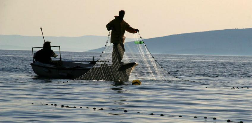 Cerar: Zaštitit ćemo naše ribare, pravno i financijski