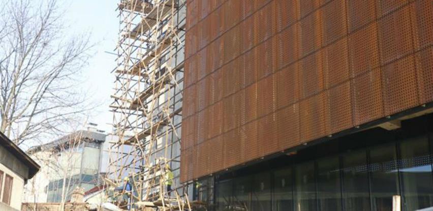 Završni radovi na fasadi Akademije scenskih umjetnosti Sarajevo