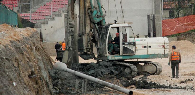 """Intenzivirani radovi na izgradnji istočne tribine stadiona """"Tušanj"""""""