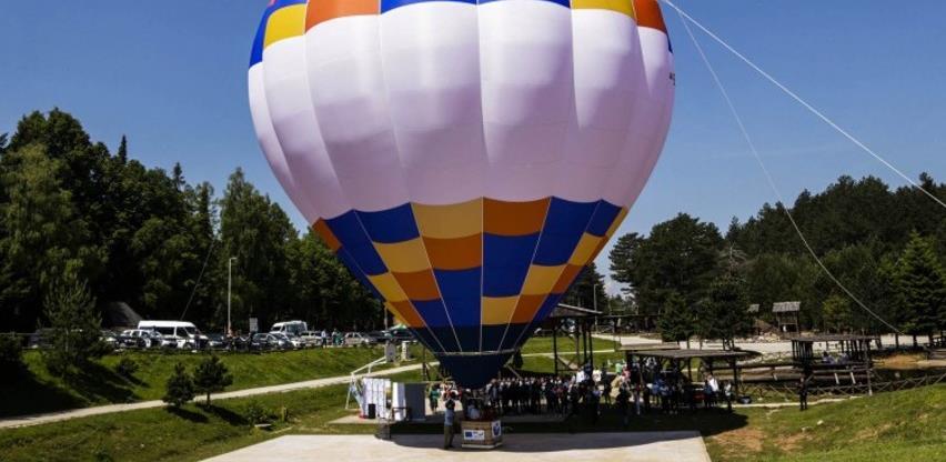 Na Trebeviću promovirana nova turistička atrakcija, let balonom (VIDEO)