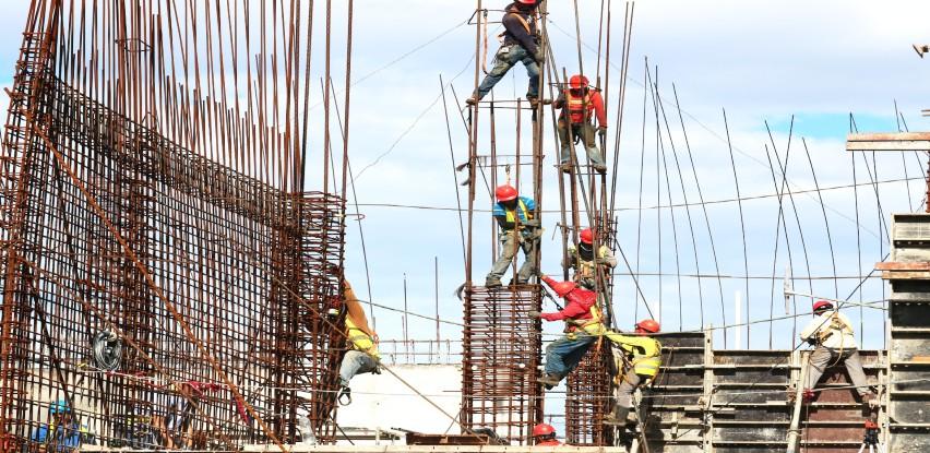 Kontroliše li inspekcija gradilišta i kolike su kazne za poslodavce koji se ne pridržavaju propisa?