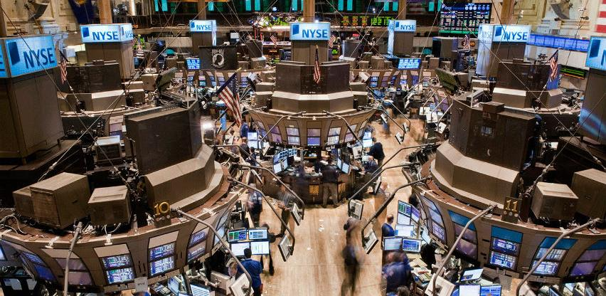 Wall Street zabrinut zbog usporavanja rasta ekonomije