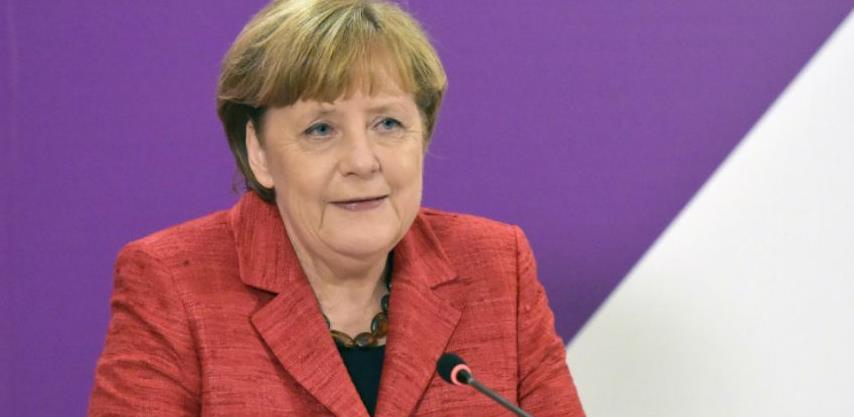 """Merkel: Brexit je """"duboki rez"""" za Evropu"""