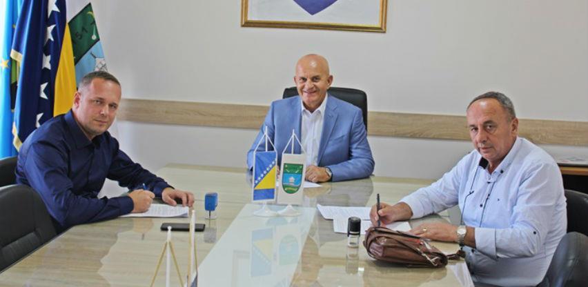 Potpisani ugovori za asfaltiranje lokalnih puteva na području Kalesije