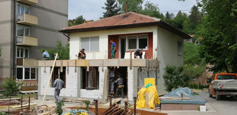 U toku radovi na rekonstrukciji i proširenju parohijskog doma u Kaknju