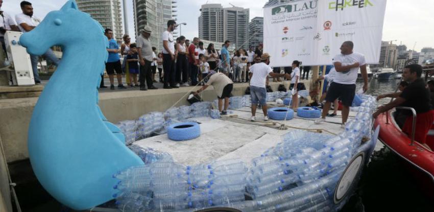 Libanski 'Feničanski brod' napravljen od 50.000 plastičnih boca