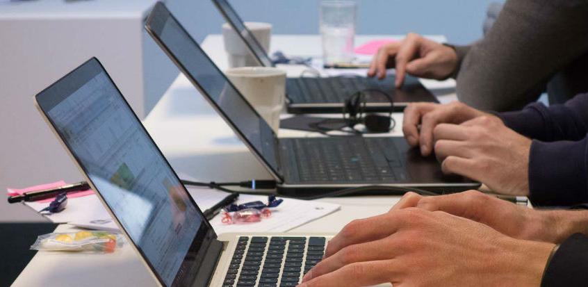 Vlada FBiH je, uz određene napomene, dala pozitivno mišljenje na Nacrt odluke o usvajanju Politike razvoja informacionog društva Bosne i Hercegovine.