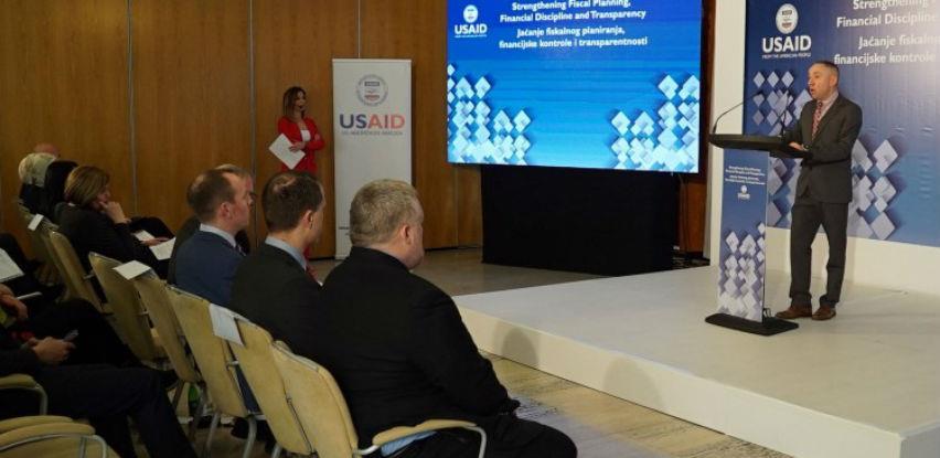 Larson: USAID je posvećen razvoju fiskalnog sektora u BiH