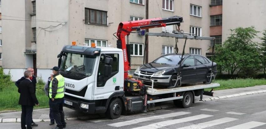 U Sarajevu počela akcija uklanjanja napuštenih i neregistrovanih automobila