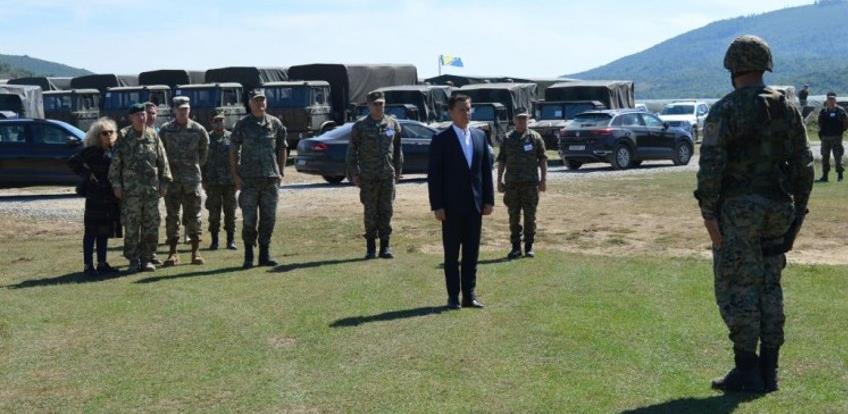 OSBiH i NATO posjetili vojnike na Manjači
