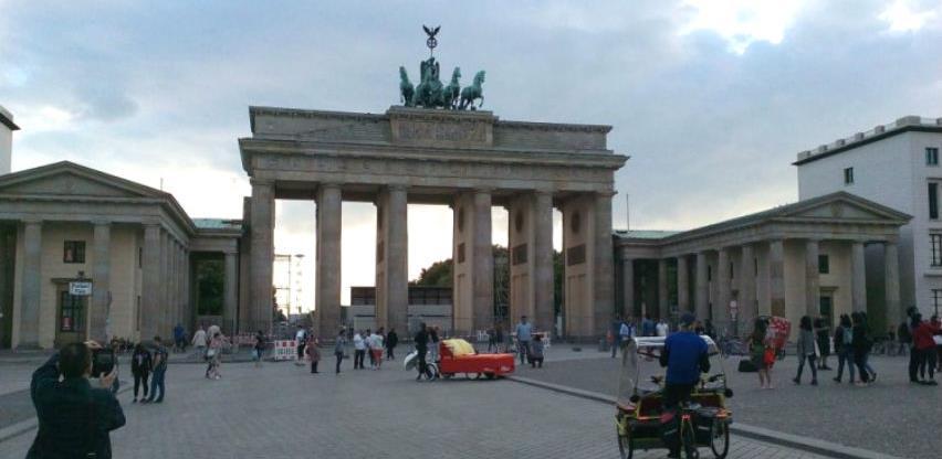 Nijemcima se još manje isplati štedjeti