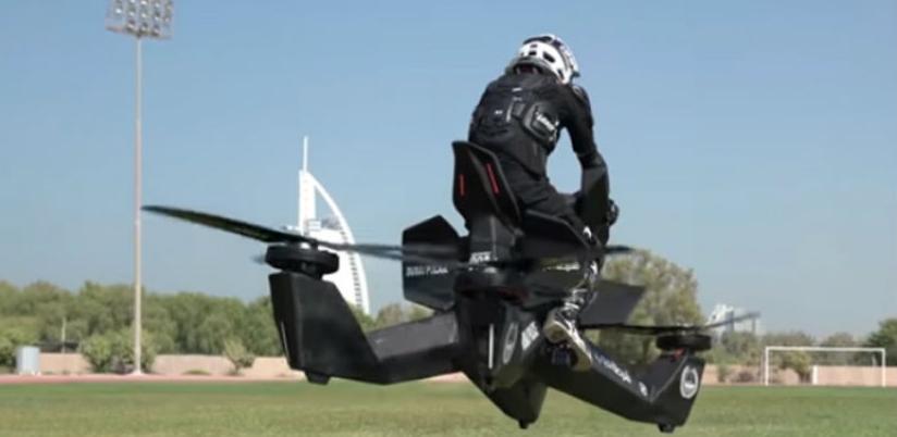 Policajci u Dubaiju krenuli na obuku za leteće motocikle