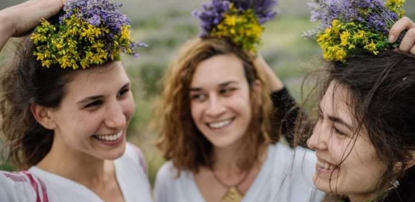 Tri Mostarke prepoznale potencijal ljekovitog bilja iz Hercegovine i sad grade uspješan biznis