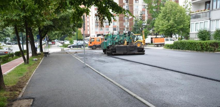 Novo Sarajevo: Završni radovi na sanaciji parking prostoru u ulici Topal Osman Paše