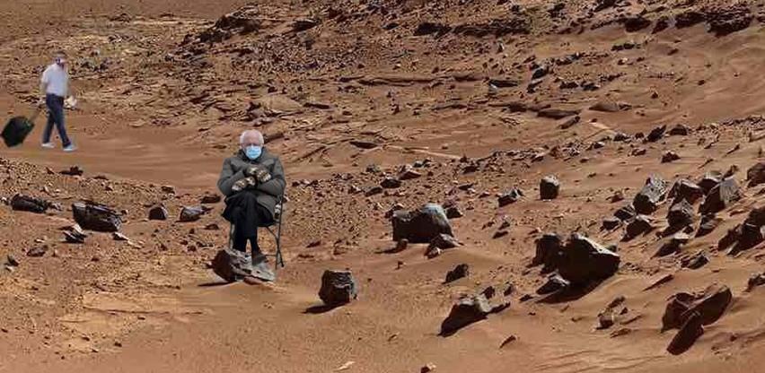 """""""Pozdrav svijete"""": Bernie Sanders na fotografijama iz kratera Jezero na Marsu"""