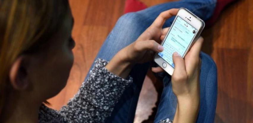 Istraživanja: Ljudi koji poruke završavaju tačkama hladni