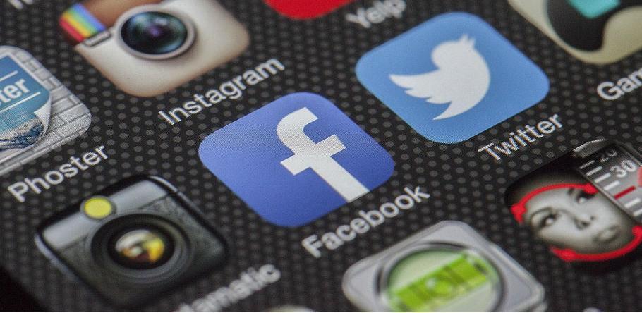 Privatne objave 14 miliona korisnika Facebooka postale javne