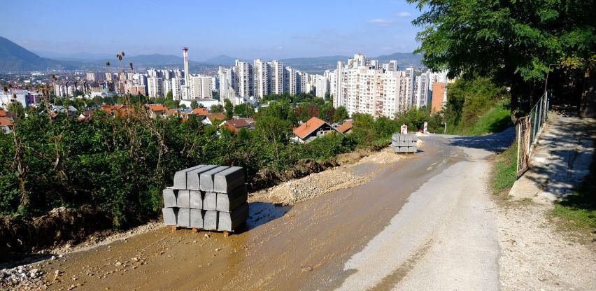 U toku proširenje saobraćajnice u ulici Ferida Srnje u Švrakinom Selu