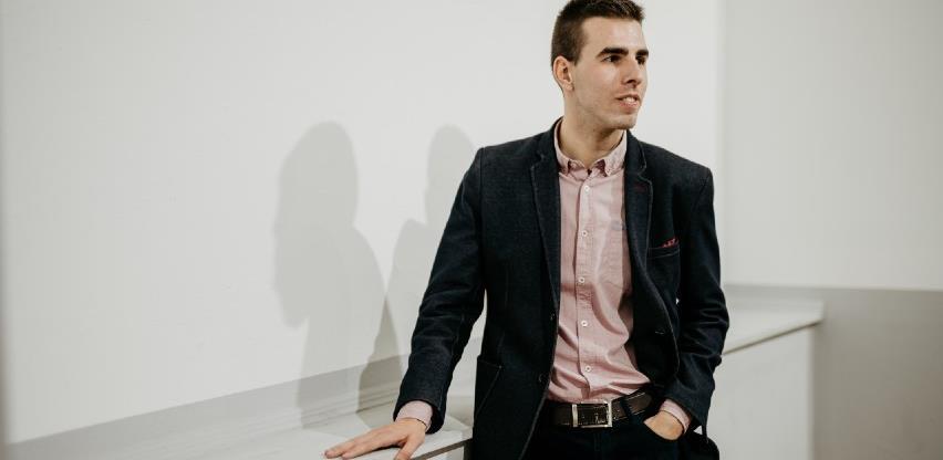 Uspješan put mladog Adnana Mujanovića: Sedmi doktor u Evropi u svojoj oblasti