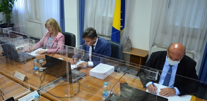 Potpisan ugovor za nabavku 500.000 doza vakcina Sinopharm