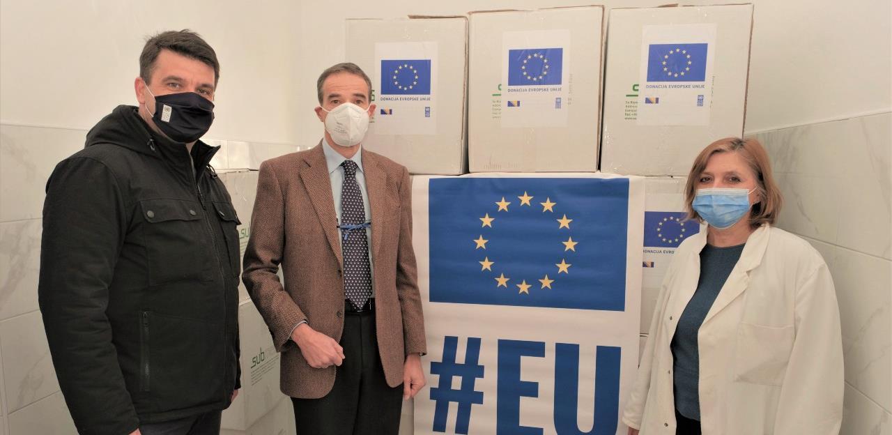 EU uručila 38,877 KM vrijednu zaštitnu opremu Zavodu za javno zdravstvo USK