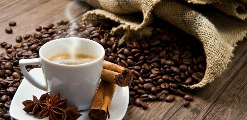 Evo zašto nikako ne smijete piti kafu na ovoj zimi