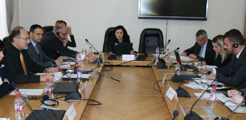Preduzeti prvi koraci za ukidanje prištinskih taksi na bh. proizvode
