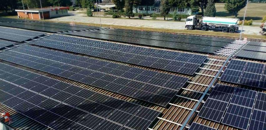 Postavljeni prvi paneli solarne elektrane Rafinerije nafte Brod