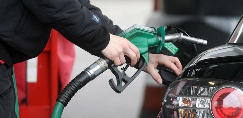 Na svim benzinskim pumpama u FBiH gorivo od danas jeftinije