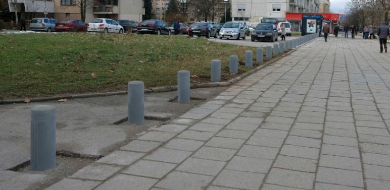 Na Bulevaru branilaca Dobrinje postavljeni fiksni i potapajući stubići