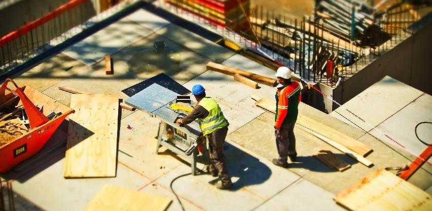Građevinski radnici svakodnevno izloženi opasnosti obavljajući radne zadatke