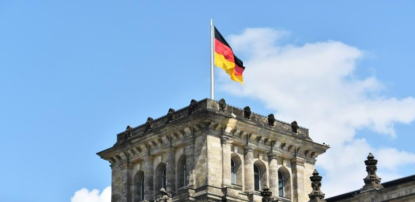 Merkel: Zaboravite na zabave i masovne dočeke Nove godine