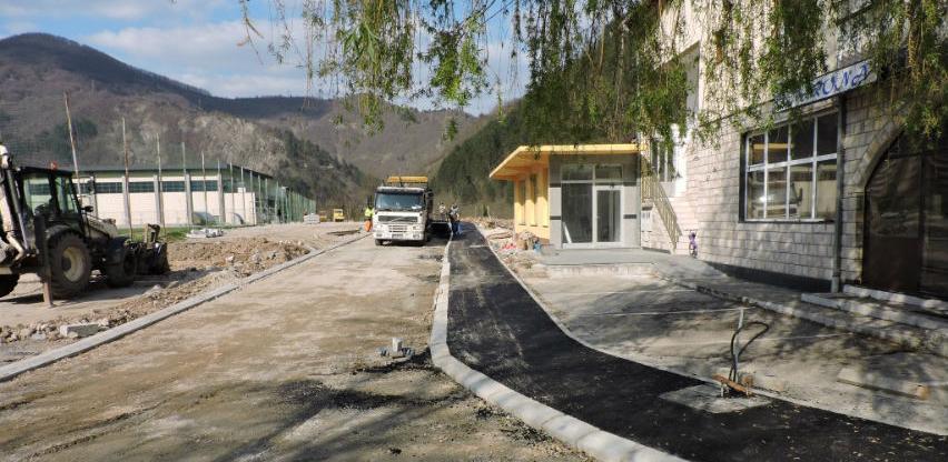 Okončani radovi na uređenju puta i šetnice u Jablanici