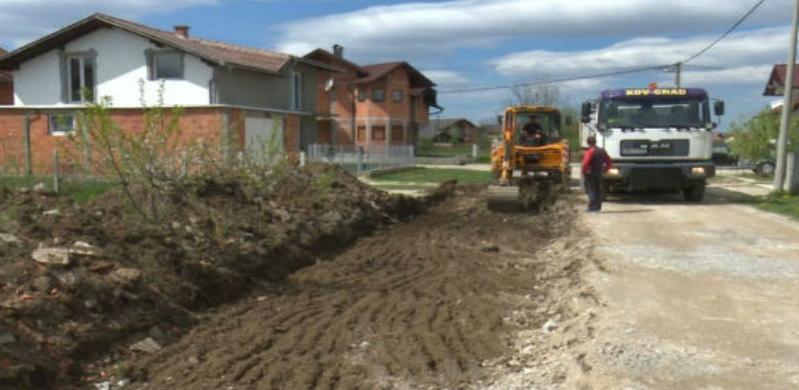 Započeli pripremni radovi na asfaltiranju ulice u naselju Jezernice