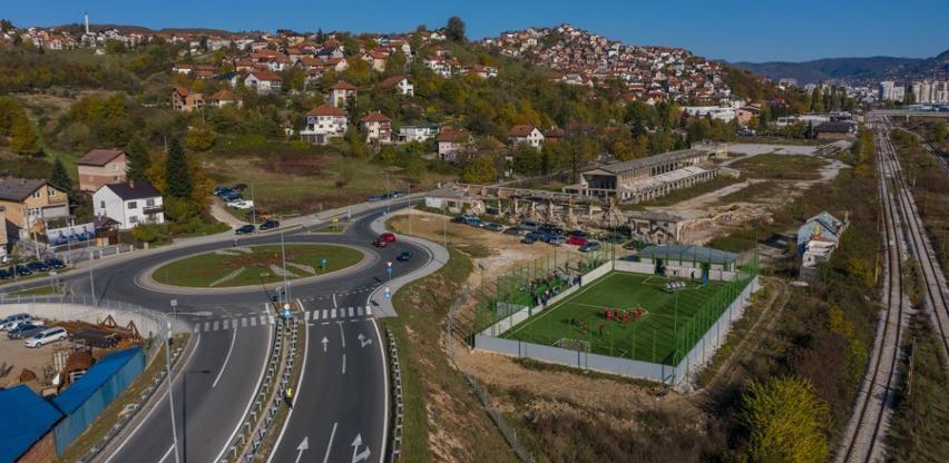 Otvoren novoizgrađeni stadion sa umjetnom travom i tribinama u naselju Vitkovac