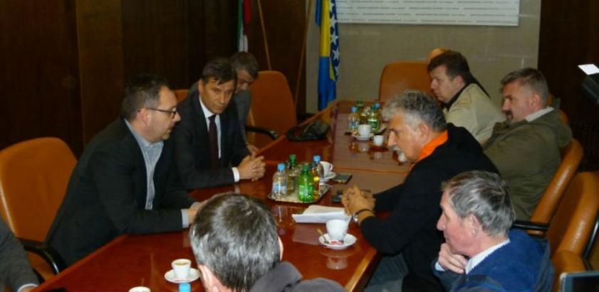 Novalić i Džindić postigli dogovor s radnicima Željezare Zenica
