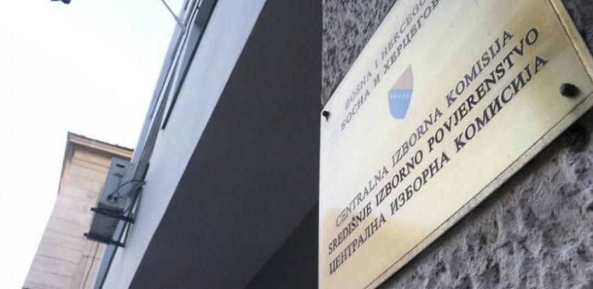 CIK novčano kaznio 32 političke stranke