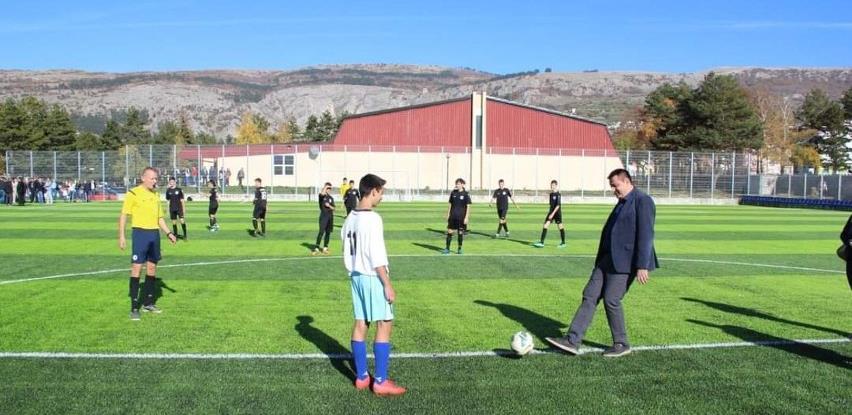 Otvoren stadion s umjetnom travom u Livnu