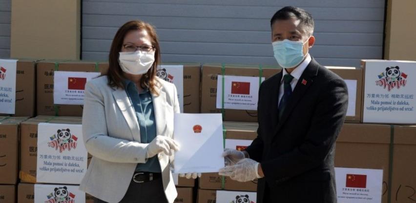 Stigao prvi kontigent kineske donacije u medicinskoj opremi