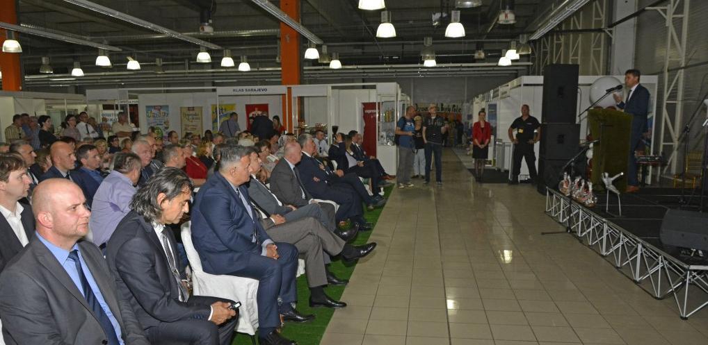 Federalni premijer u Mostaru otvorio sajam 'Dani trešnje 2017.'