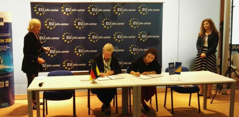 Njemačka donirala 550.000 eura za suzbijanje krijumčarenja oružja u BiH