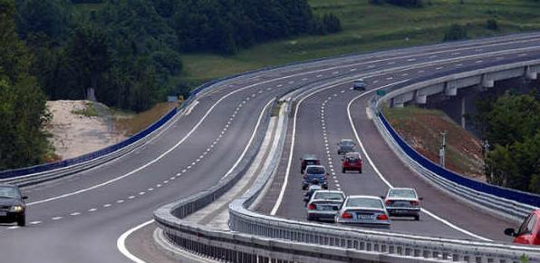 Cijene putarina biće skuplje za 10 odsto od 1. jula do 30. septembra, dakle u vrijeme trajanja turističke sezone.