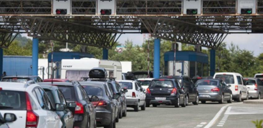 Građani BiH mogu da putuju u još jednu zemlju samo s ličnom kartom