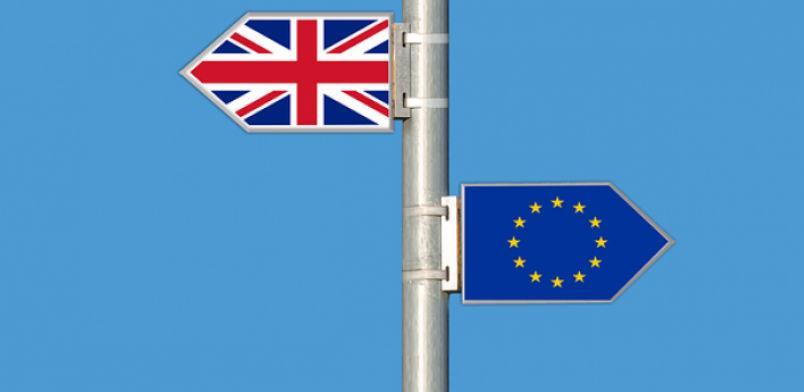 Britanska vlada ponudila tri scenarija parlamentarnog glasanja o Brexitu