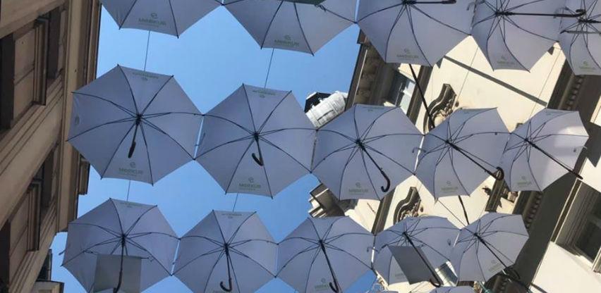 Ulica bijelih kišobrana:Sarajevska Ferhadija u novom ruhu