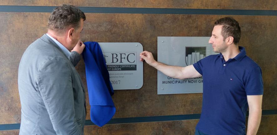 Priznanje za kvalitet: Na zgradi Općine Novi Grad otkrivena BFC ploča
