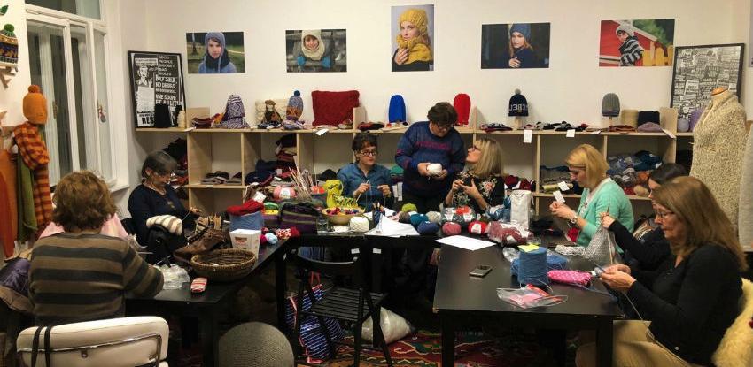 Udružene na tri kontinenta: Radovi bh. pletilja u modnim buticima širom svijeta