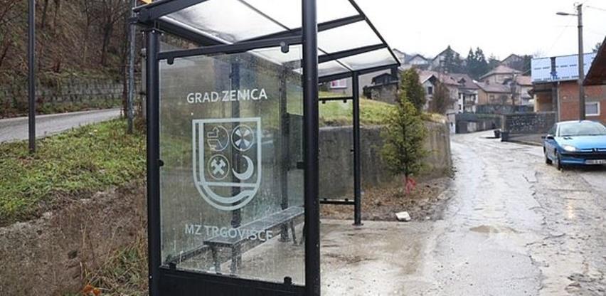 Glovis radi na postavljanju nadstrešnica na autobuskim stajalištima u Zenici