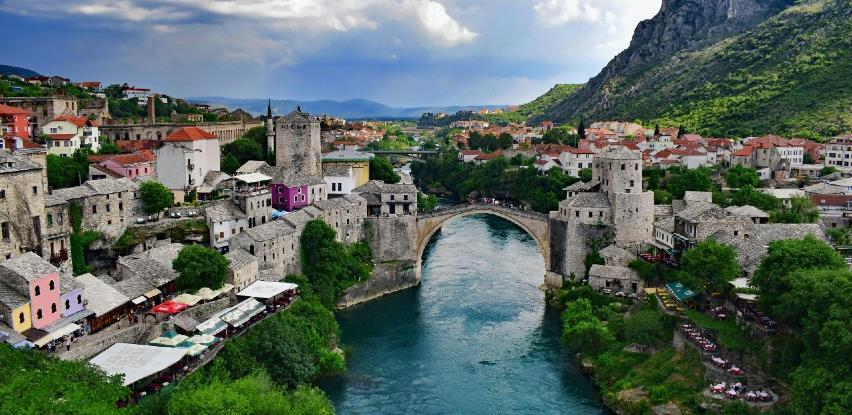 Na današnji dan otvoren obnovljeni Stari most u Mostaru